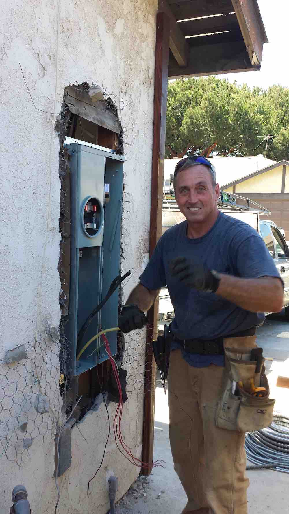 Electrician in Huntington Beach, CA